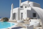 Villa Crew - Mykonos Villa with a parking